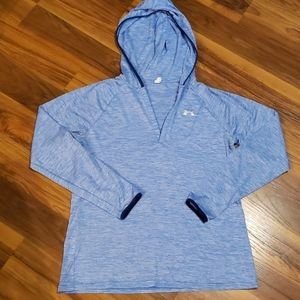 Like new Women's UA pullover hoodie size L